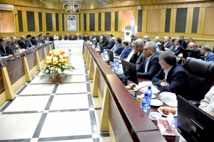 The first meeting of the heads of chambers of commerce of the region 4 of Iran was held in Kermanshah. Chairmen and the members of the board of directors of the rooms of Arak, Lorestan, Ahvaz, Abadan, Khorramshahr, Kermanshah, Ilam and Hamedan met in